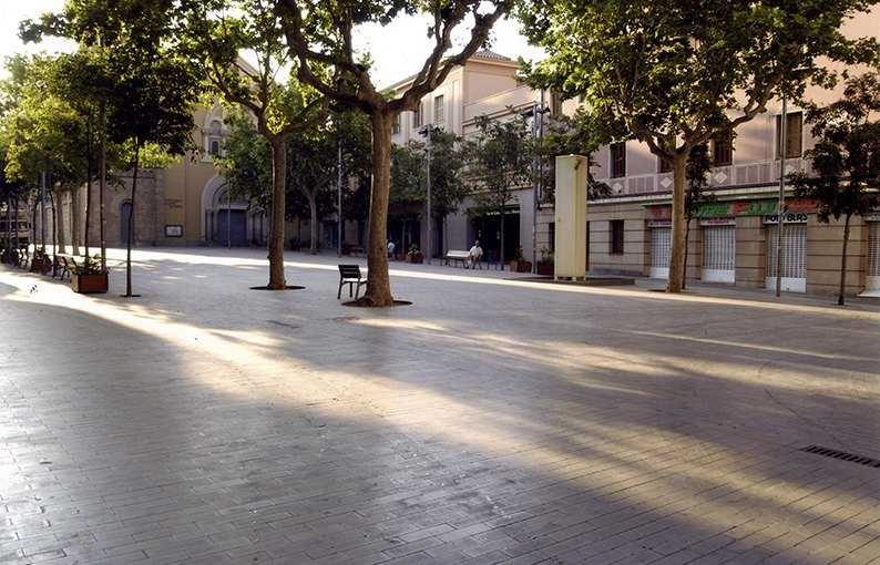 Plaça vila sant feliu Bennasar